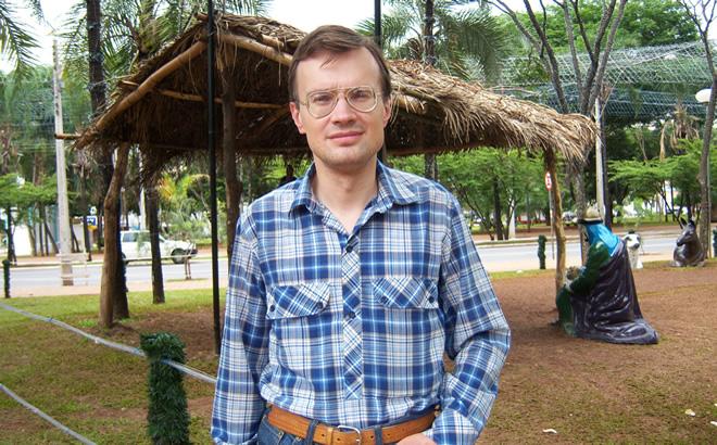 O poeta e tradutor Oleg Almeida