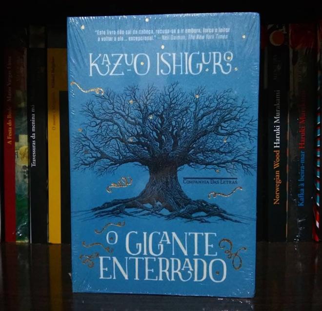 Livro o Gigante enterrado de Kazuo Ishiguro