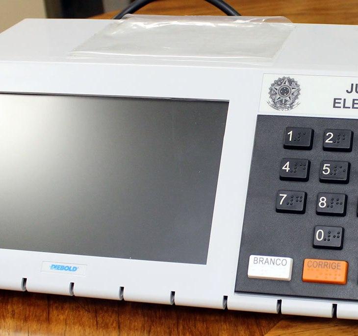 Urna eleitoral eletrônica brasileira TRE