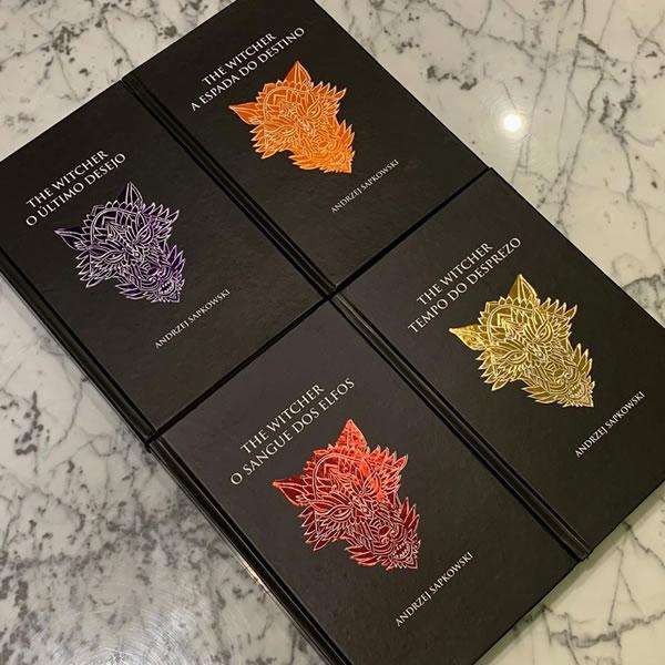 Livros da saga The Witcher em capa dura